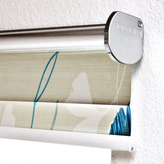 Electrical roller blind Trend-Line with print, installation by support rail on the wall