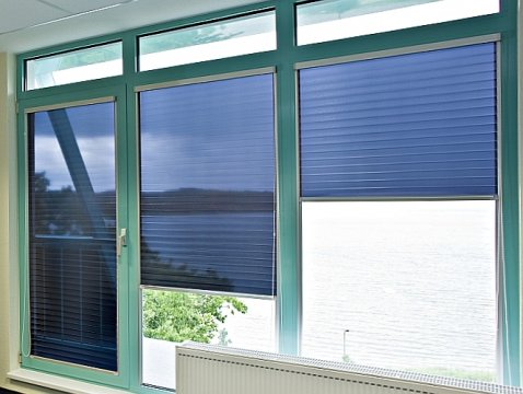 Multifilm Compact-Line roller blinds for heat and glare protection